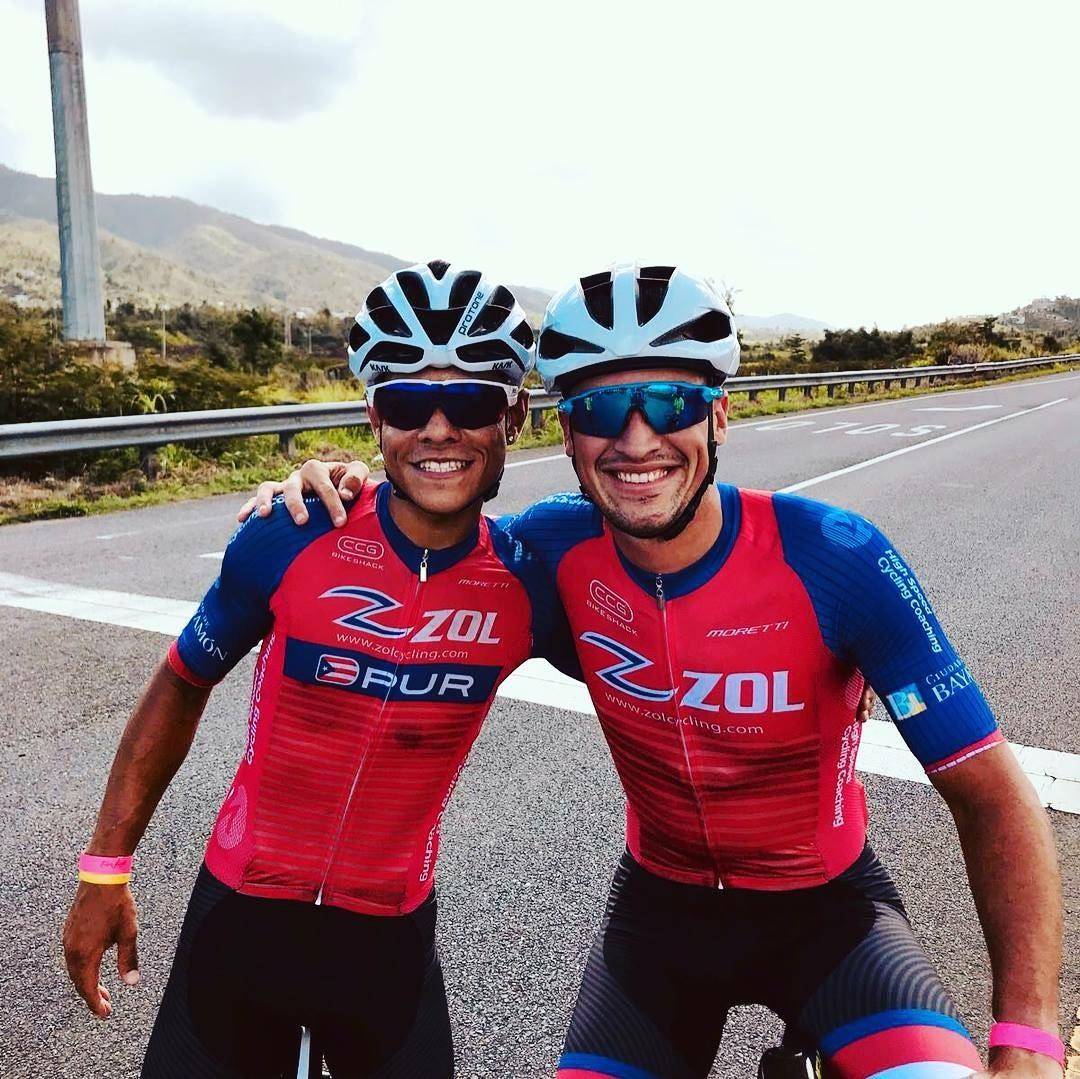 Campeon Elvys Reyes junto al Xavier Santana.jpg