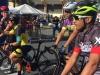 Ciclistas listos para comenzar la carrera