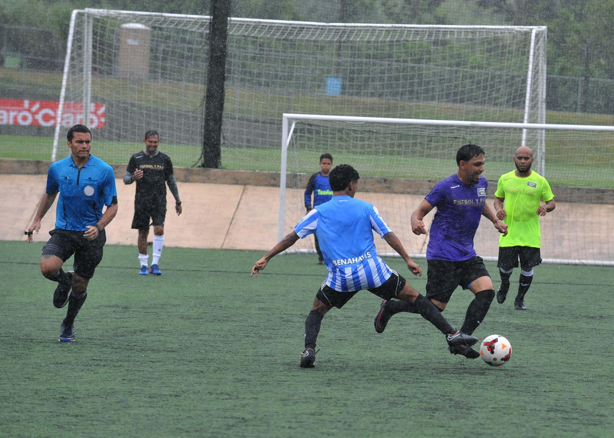 Celebrity Game-Soccer Fund Borrali-23.jpg