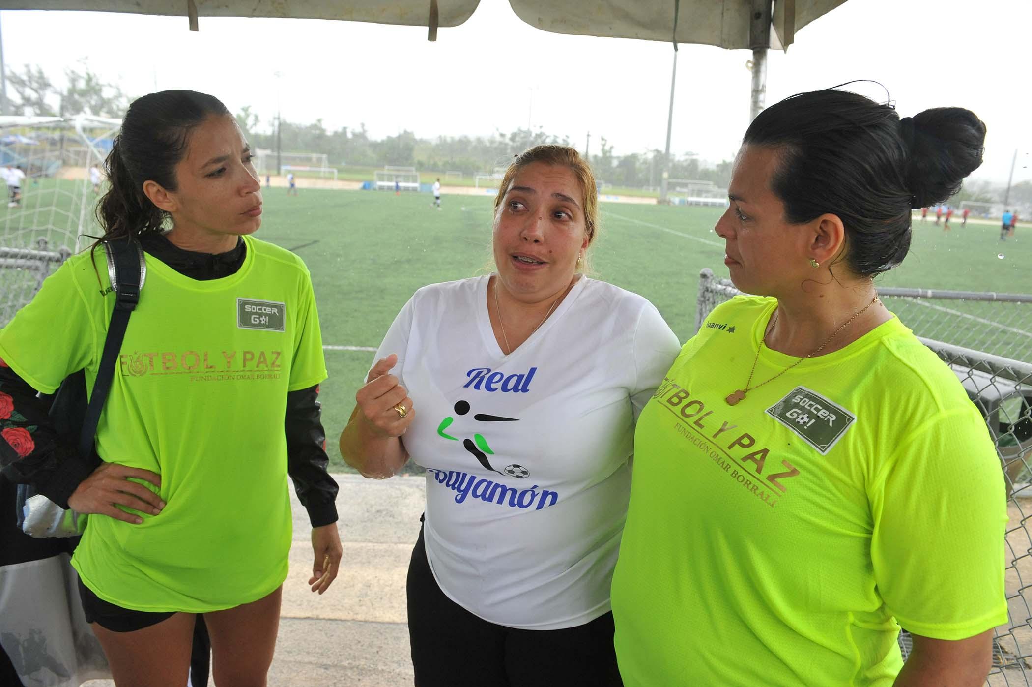 mama (Blanco) Joven iniciativa donacion calzado deportivo-3.jpg