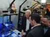 Alcalde mostrando la tecnología en Engine-4