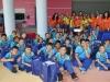 Grupo de niños y participantes de la actividad