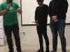 Luis Armando Torres junto a dos estudiantes participantes del evento