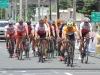 Ciclistas participando de la carrera