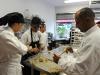 Estudiantes del ICPR College cocinando para el evento