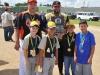 Los PIRATAS subcampeones de la categoria 7-8 posando para foto con su placa y medallas.