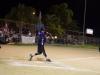 Jugador de Equipo Parque de las Ciencias bateando la bola