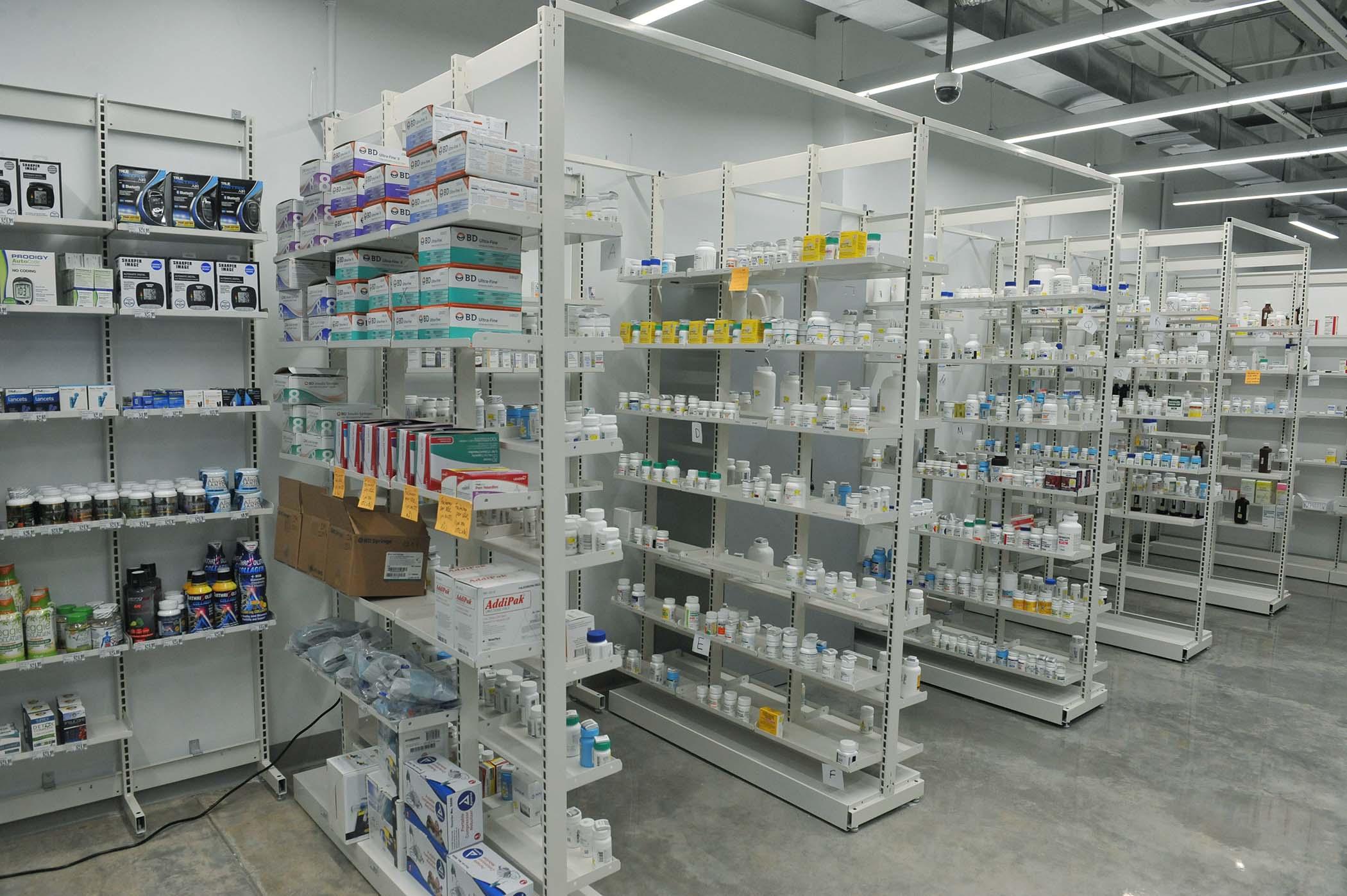 Inauguracion_Farmacias_Plaza-Plaza_del_Sol-20.jpg