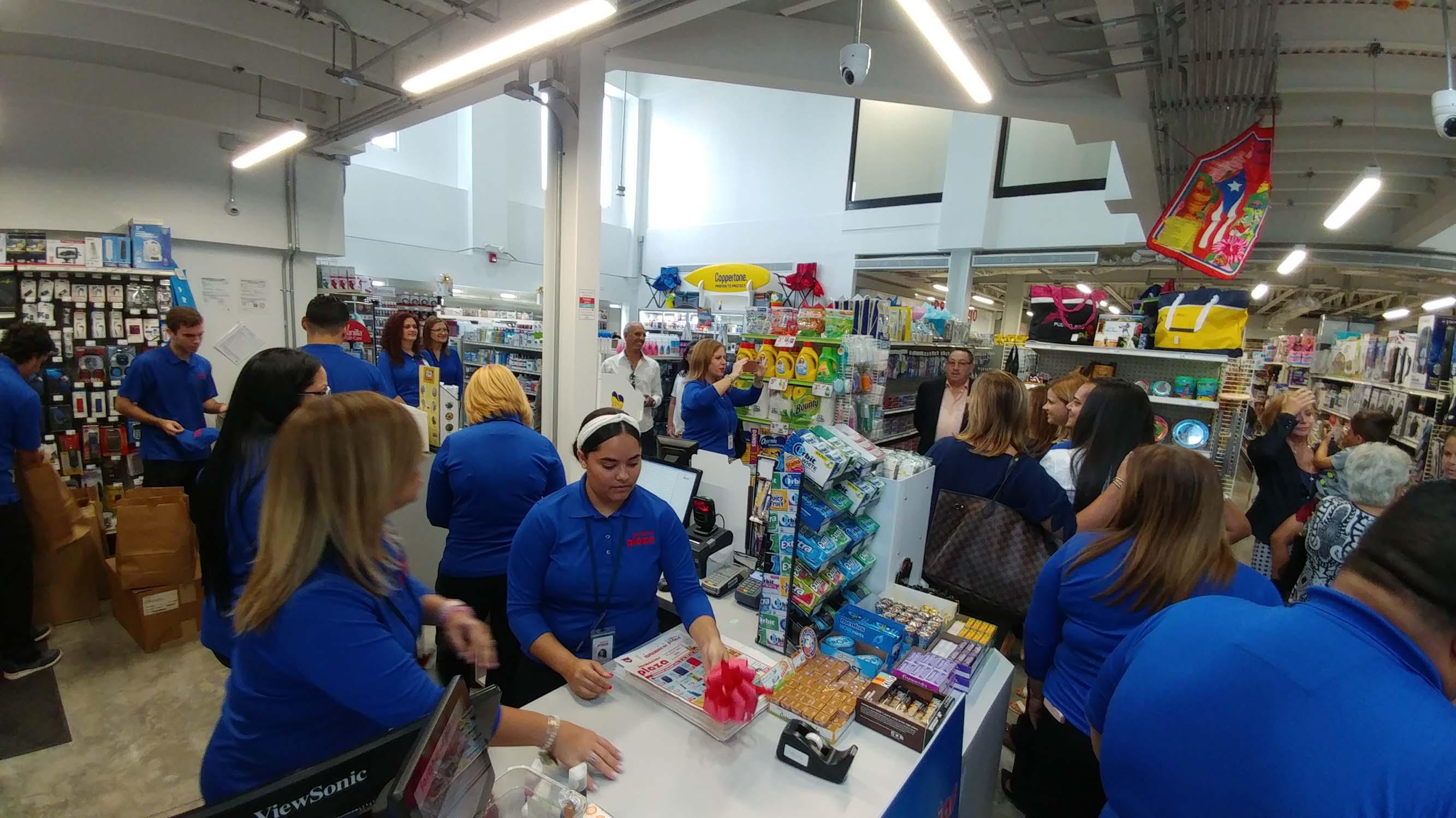 Inauguracion_Farmacias_Plaza-Plaza_del_Sol-37.jpg