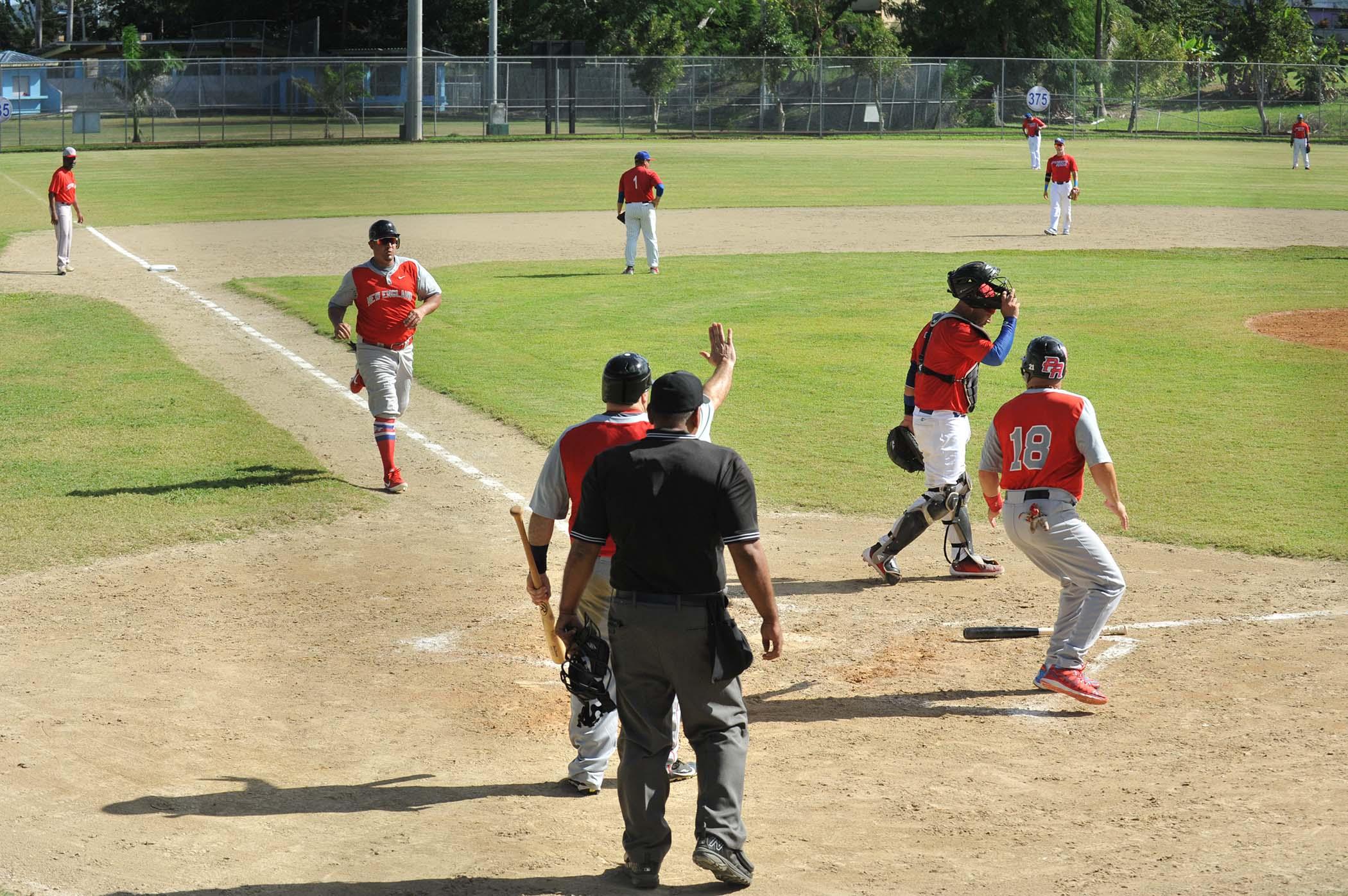 Partido de Baseball entre PR vs New England