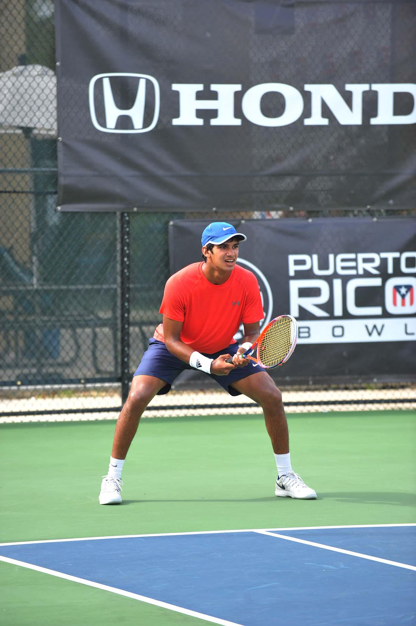 Andrew Mariados representando a USA