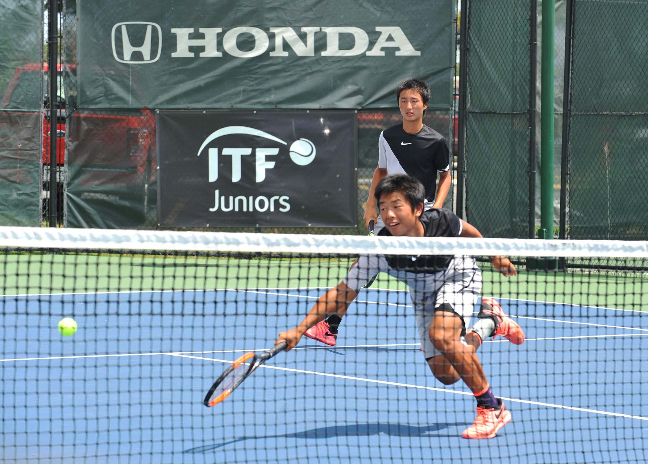 Hector Diaz y Jean Marrero del equipo de PR  vs Shintaro Mochizuki y Daiki Yoshimura de equipo de Japón