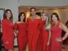 Visitantes de la actividad vestidas de rojo