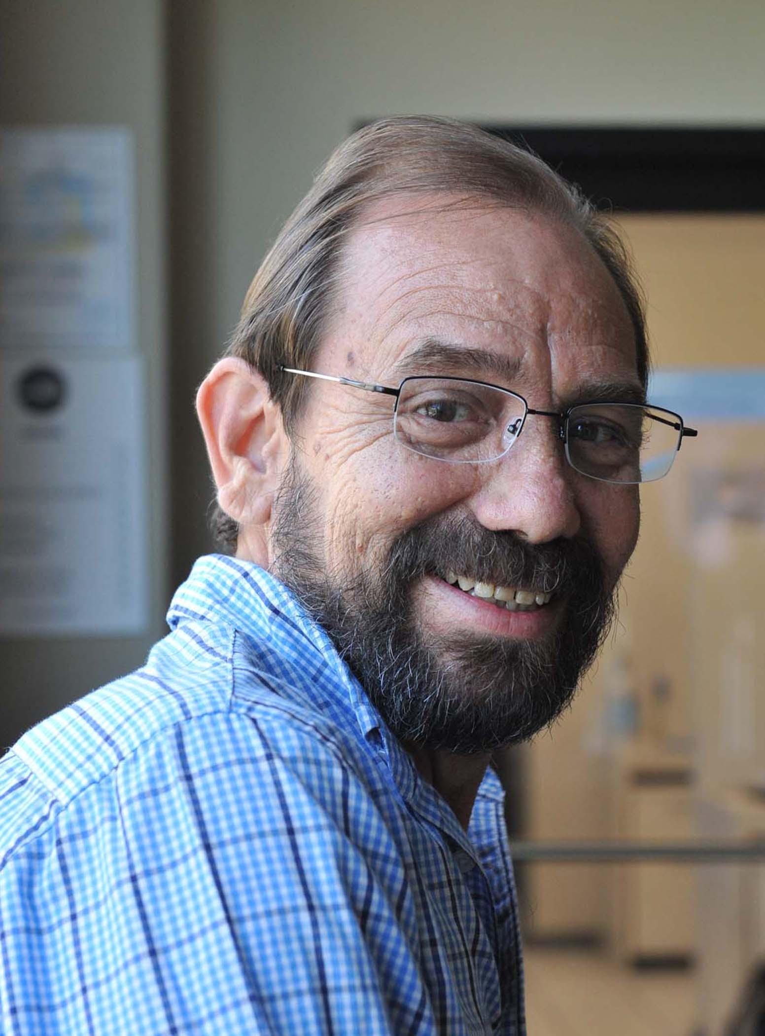 Primary MenuRinden Homenaje a René Monclova en el Teatro Braulio CastilloPost navigation