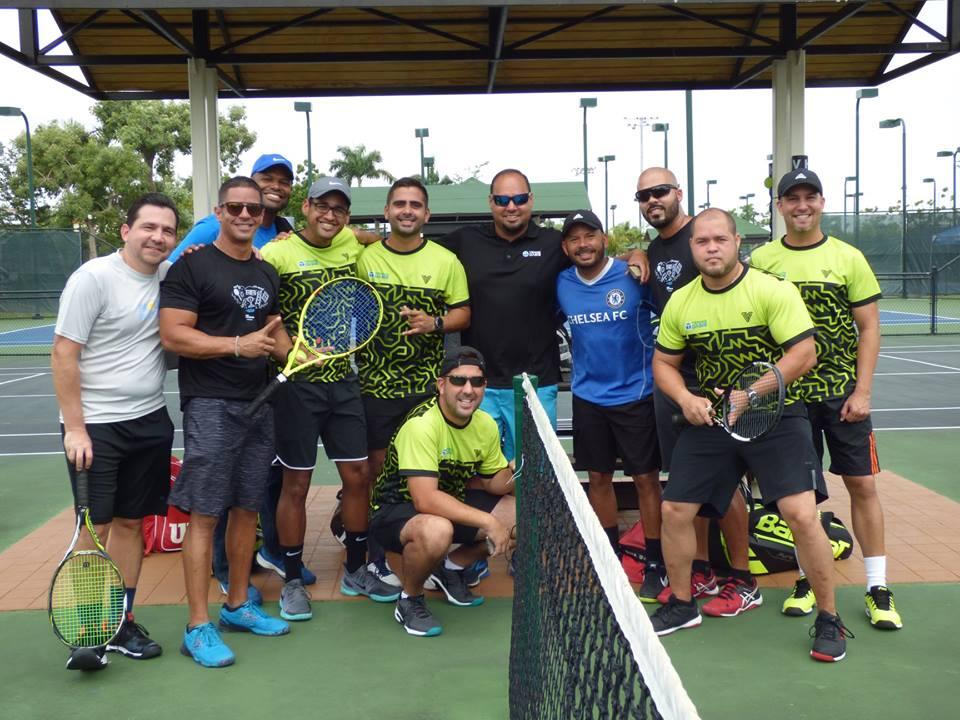 Equipo finalista 3.5 Centro de Tenis Honda de Juan Rivera.jpg