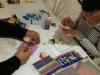 Participante realizando su obra