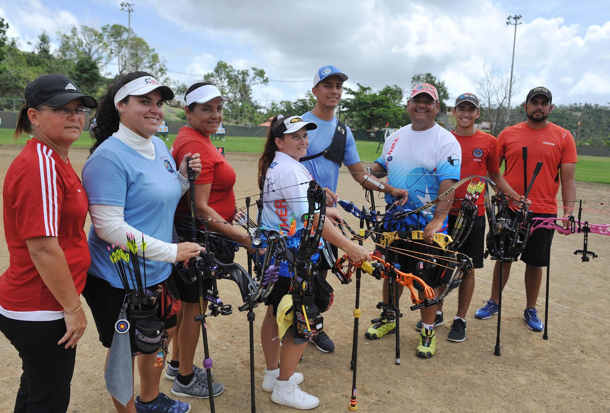coach Maria Reyes-Marla Cintron-Maria Latorre-Nereida Velez-Adrian Munoz-Jose Reyes-Brian Alvarado-Jan Pizarro-4.jpg