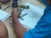 Empleado dibujando su bodegón