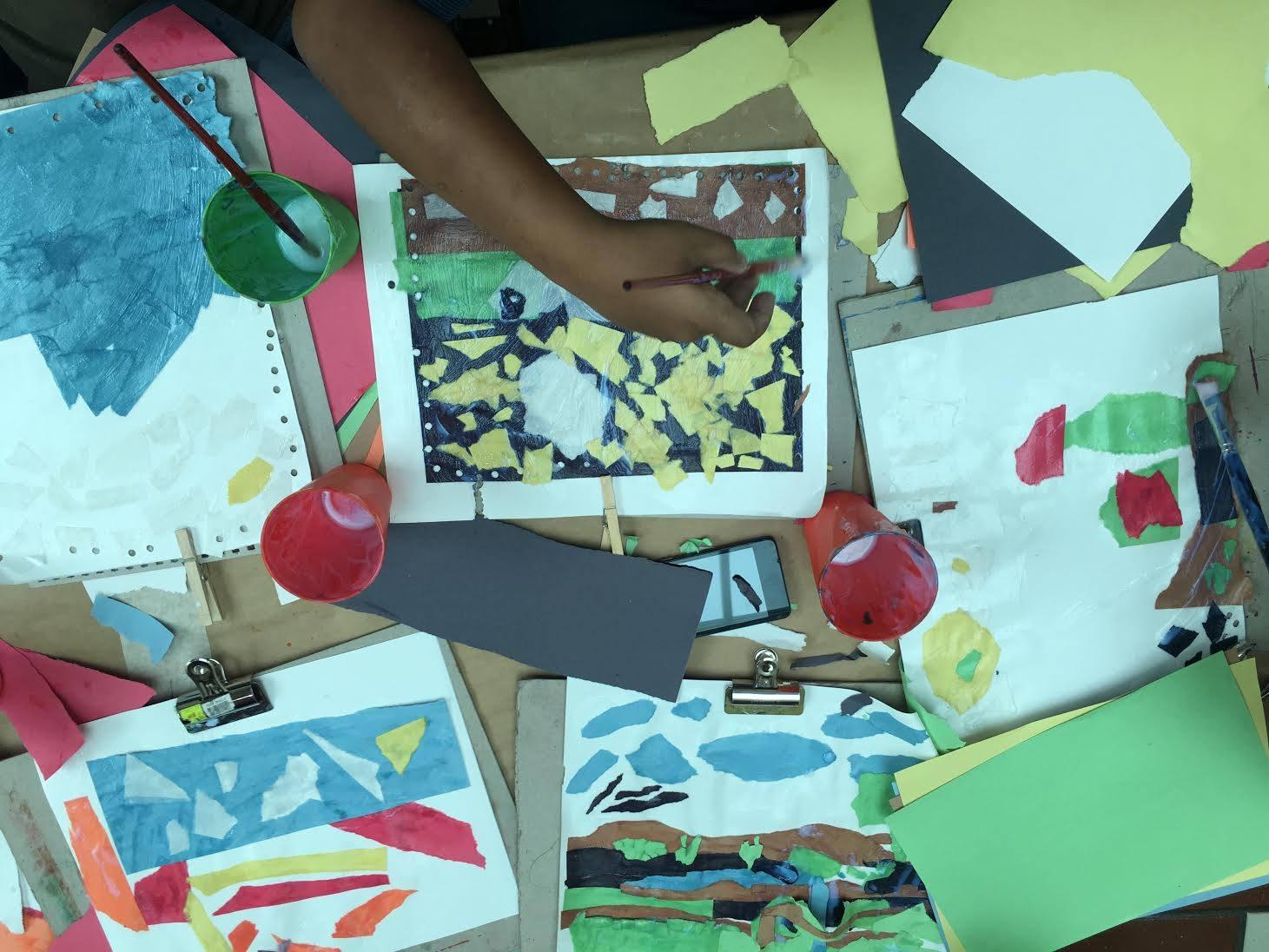 Muestra de las obras de arte de los participnates del taller
