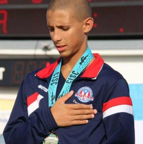 Derek Correa Nadador