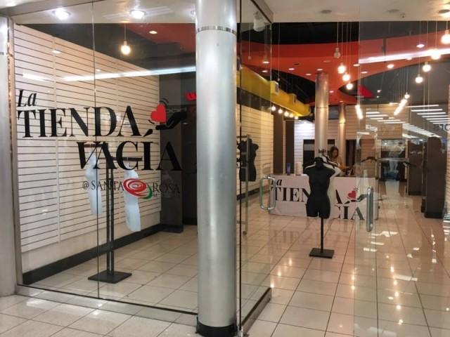 La Tienda Vacía en Santa Rosa Mall