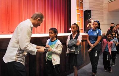 Entregan Incentivos a Estudiantes de Bayamón