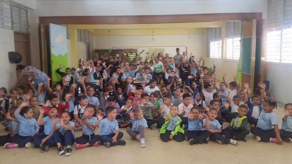 Niños de la Escuela Noel Estrada
