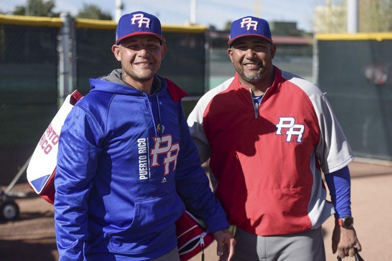 Yadier Molina y su coach