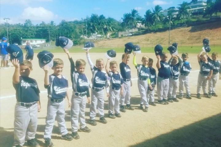 Vaqueritos de Rexville Bayamón con sus cabellos rubios