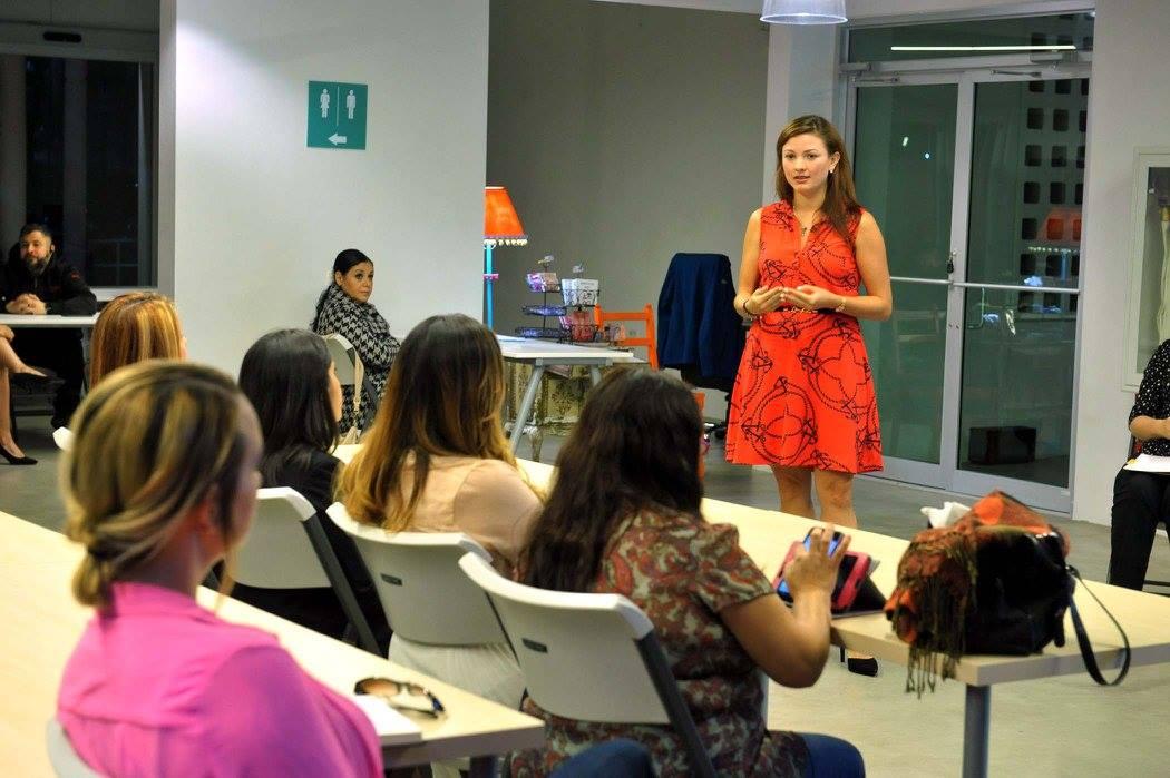 Charla: Mujer y Tecnología en Engine-4
