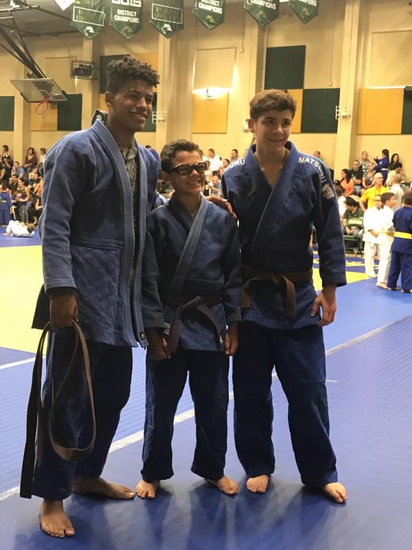 Atletas De Bayamon - Yavied Kulian, Carlos Aviles y Chris Rosado (1)