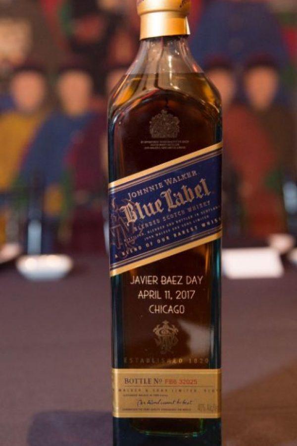 botella de Blue Label personalizada para Javier Báez