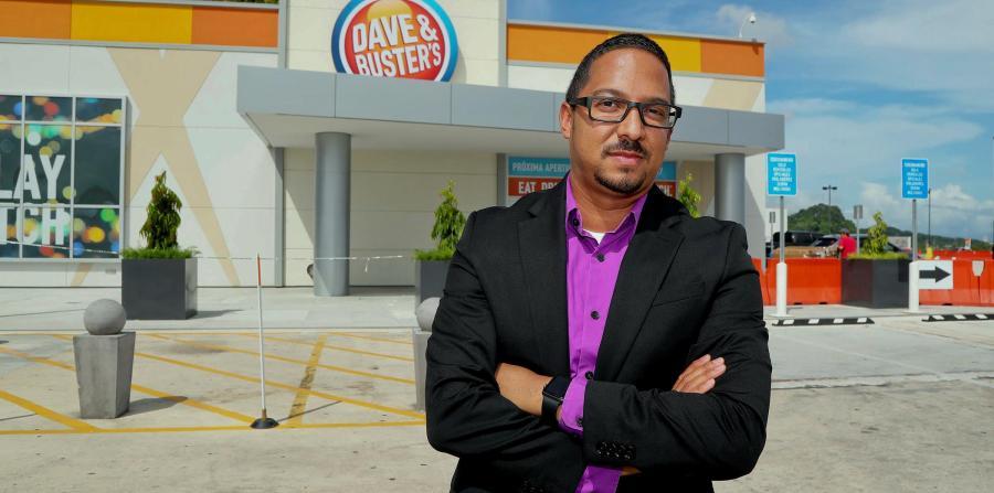 Ángel Galarza, gerente general del primer local de la cadena Dave & Buster's en la isla.