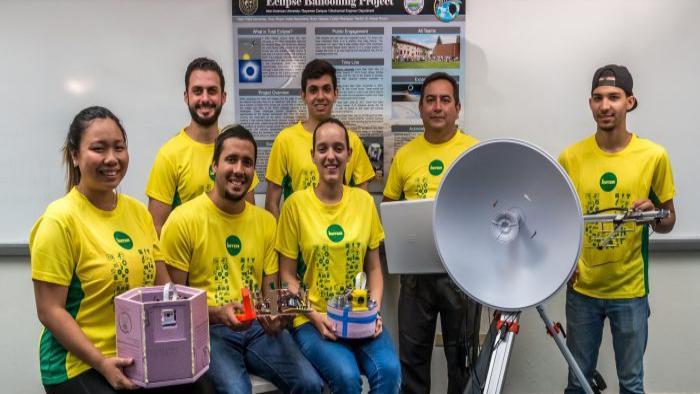 Equipo de la Escuela Ingeniería NASA en Interamericana de Bayamón