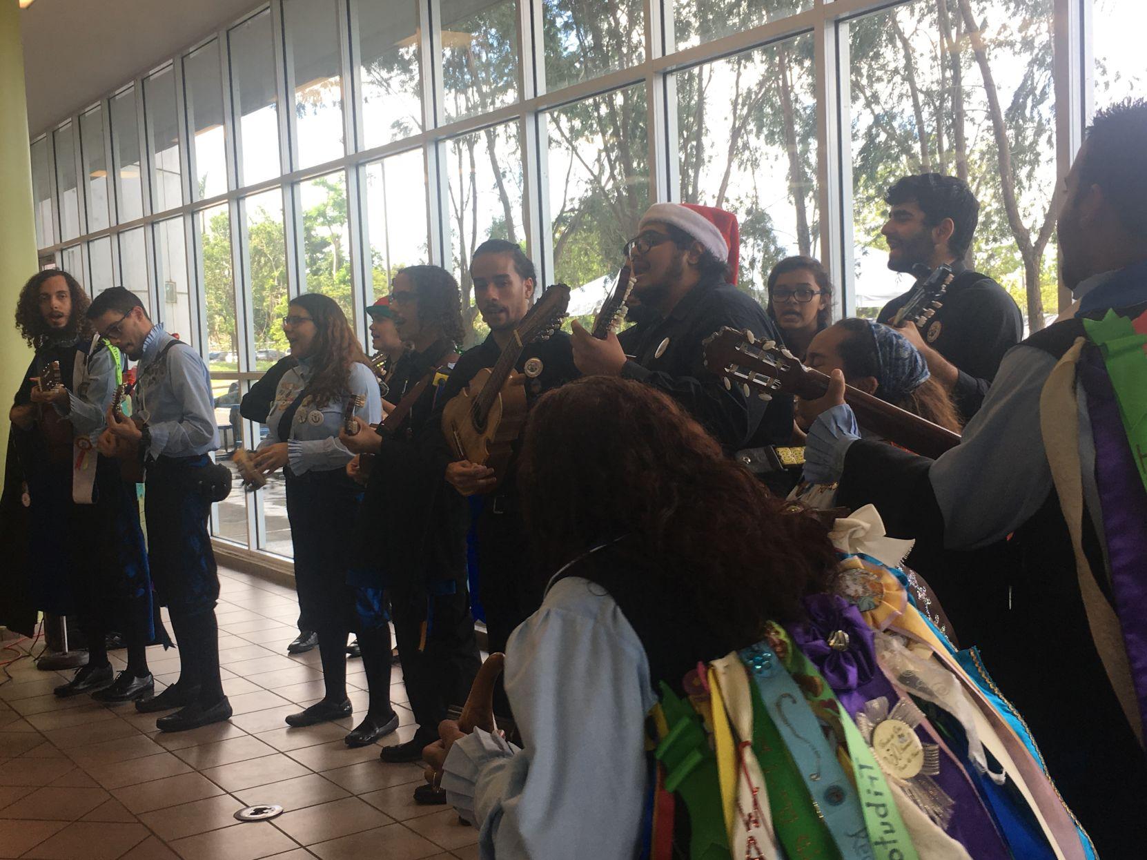 Tuna Vaquera UPR Bayamón celebra