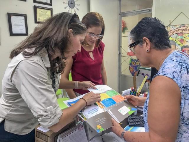 Visitan Escuelas de Bayamón para la Prevención de Mosquitos