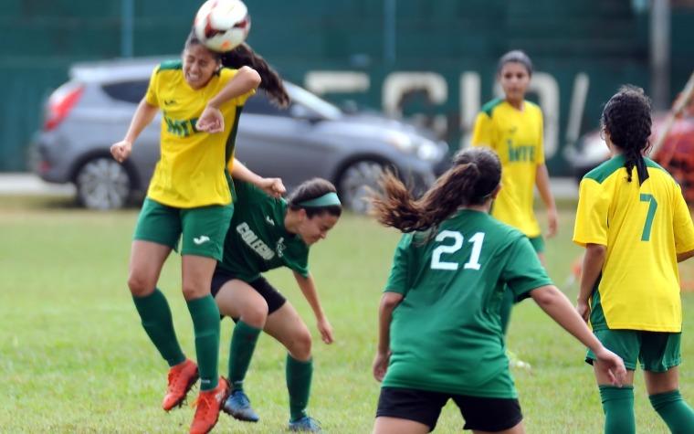 Juegazo en el inicio del fútbol femenino