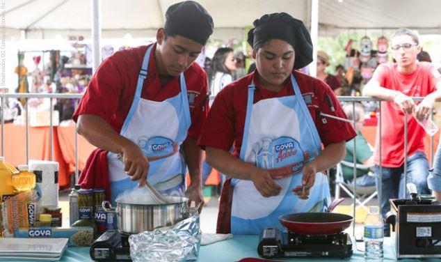 Estudiantes de Escuela Superior se Enfrentan en Competencia Culinaria en la Goya en Bayamón