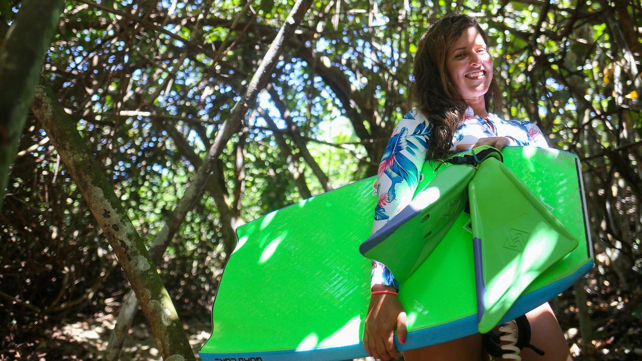 La Bayamonesa, Campeona que va Rompiendo los Códigos Machistas en el Bodyboarding