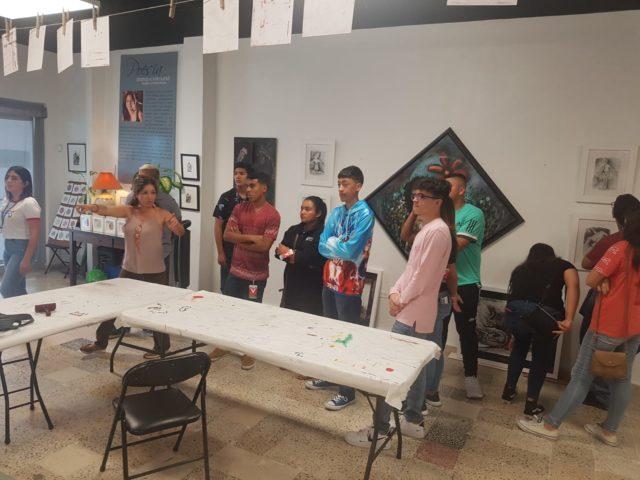 Open Studios: Reciben a Jóvenes de Campamento de Veráno