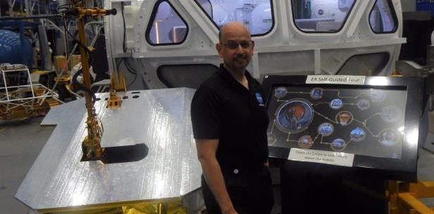 Un Bayamonés en la NASA, Prepara el Camino para Regresar a la Luna