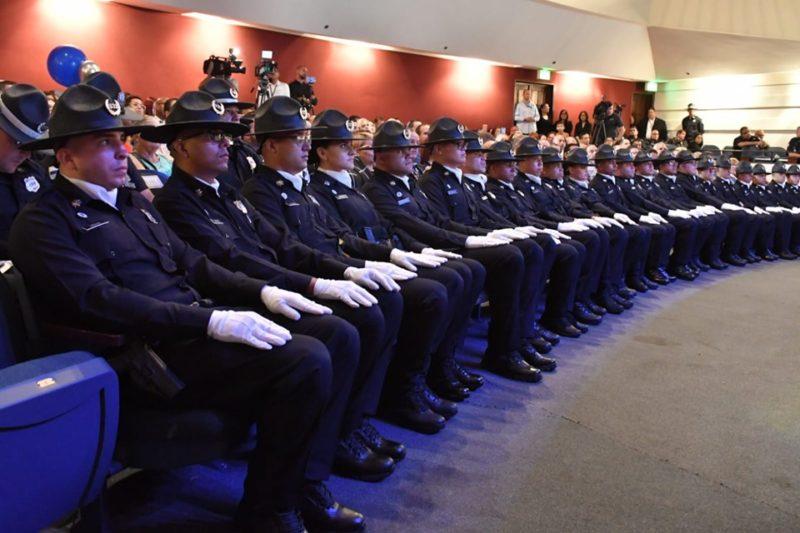 Graduación de la Primera Clase de Cadetes de la Policía de Bayamón