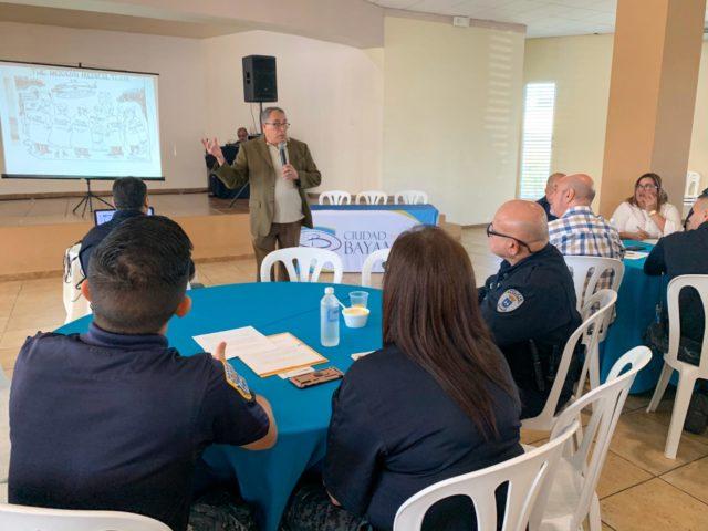 Brindan Taller a Personal de la Policía Municipal, DIPHOM y Manejo de Emergencias