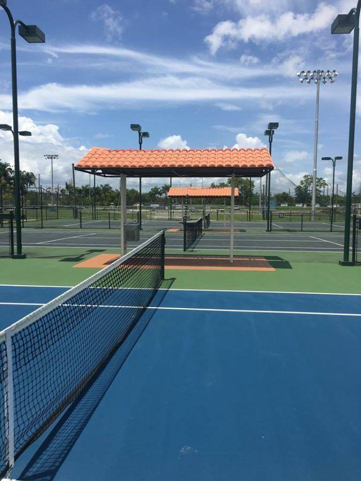 Coronan a los Campeones de La Guerrilla del Tennis