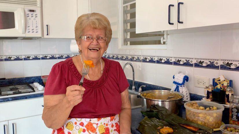 Abuela Residente de Bayamón Lleva su Sazón a YouTube