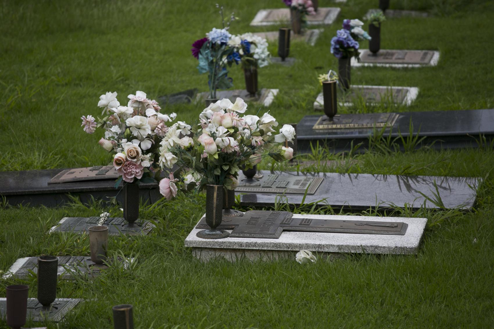 Cementerios de Veteranos Abrirán el Día de las Madres