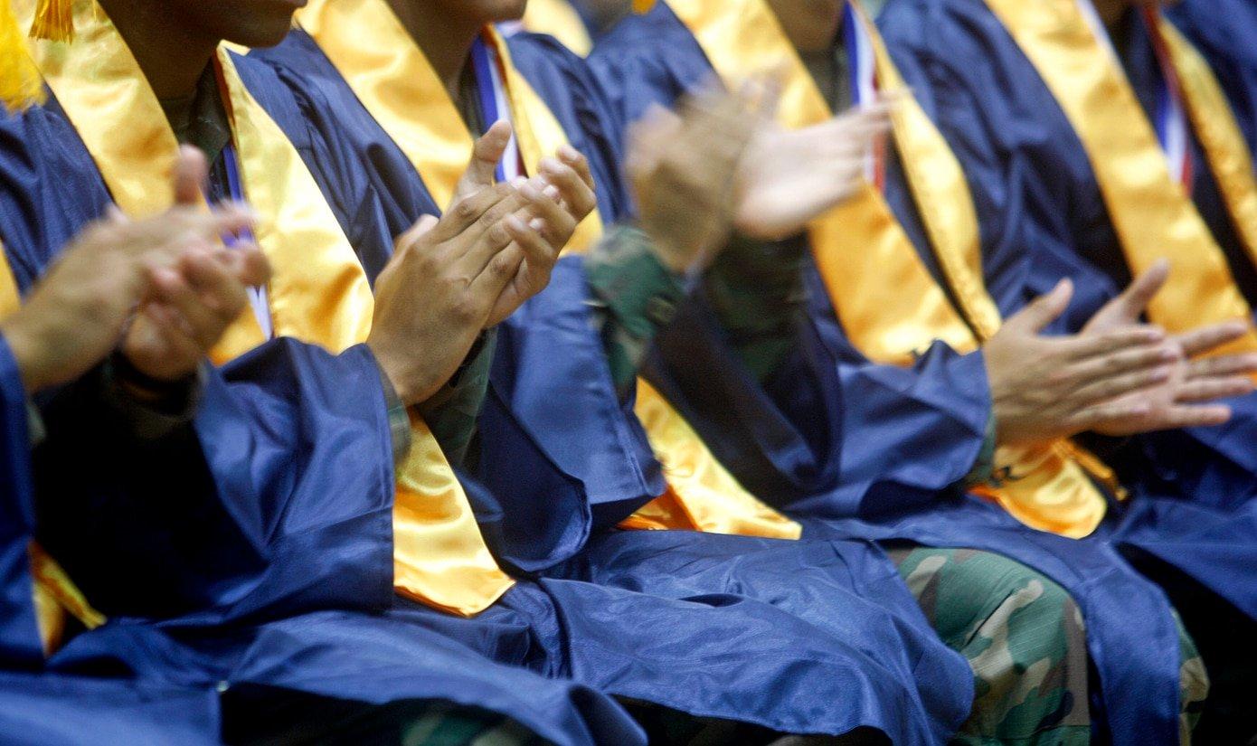 UPR Pospone Graduaciones por Coronavirus