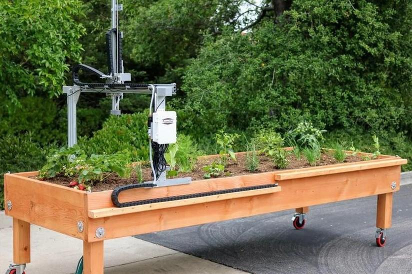 Engine-4: Encaminan Huertos Robóticos en 10 Escuelas Públicas