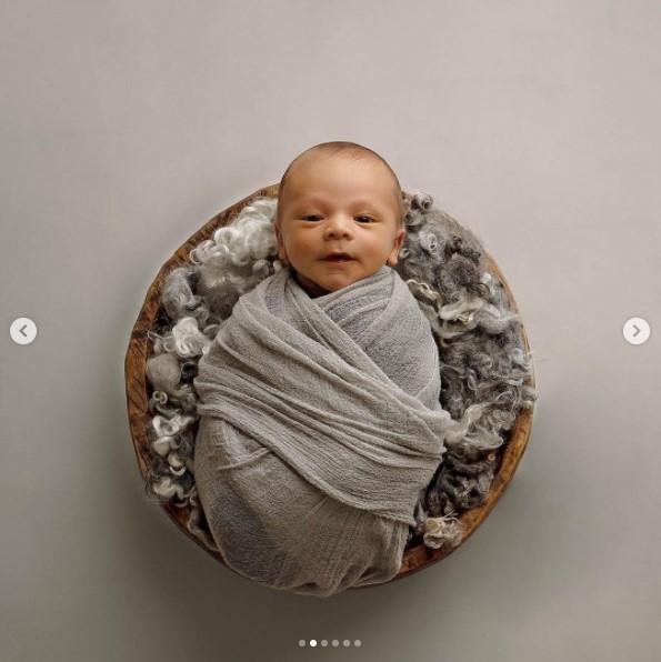 Adorables Fotos para Celebrar el Cumple Mes del Segundo Hijo del Bayamonés Javier Báez