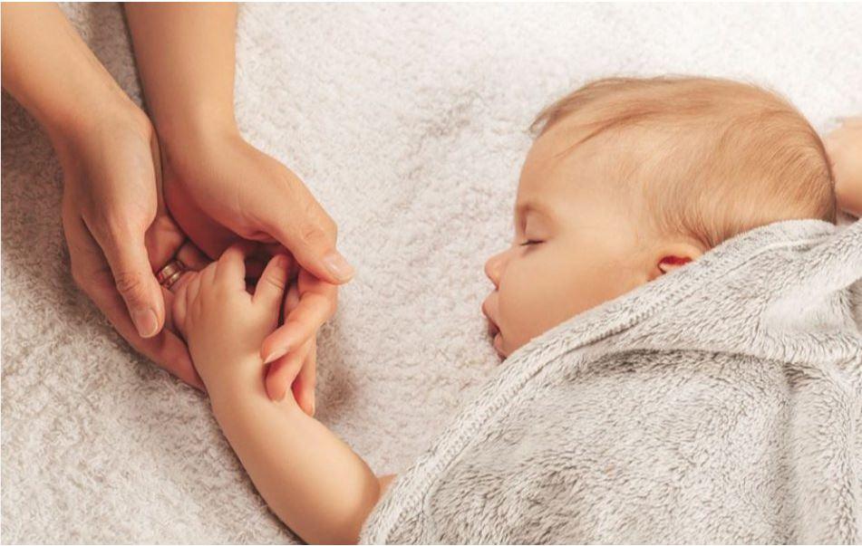 Mantenga a su Bebé Seguro y Saludable Durante la Pandemia